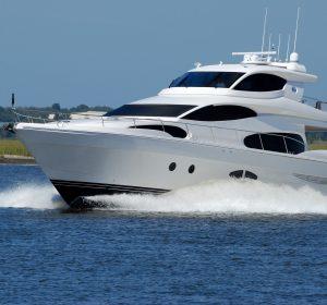 luxury-yacht-1620040_1920