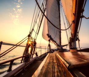 sailing-2542901_1920